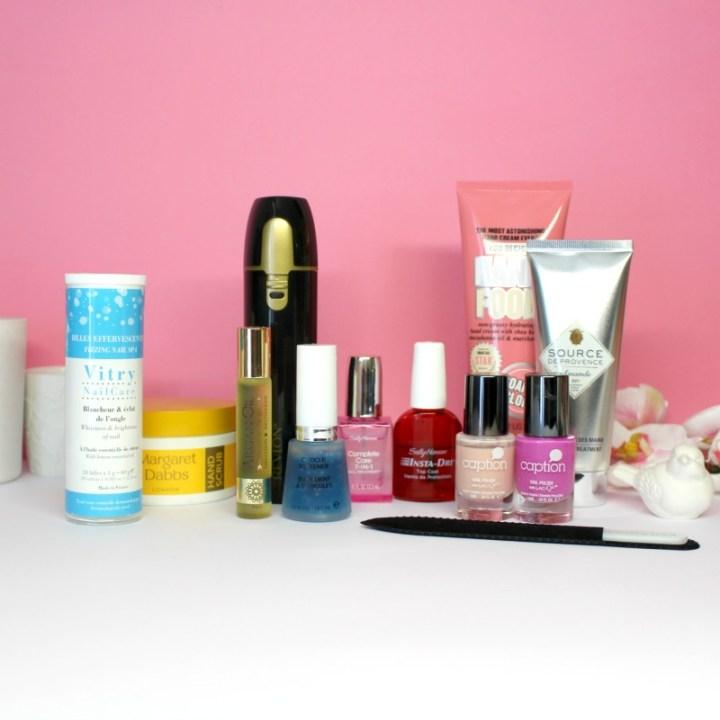 Manucure complète et Ongles brillants à la maison