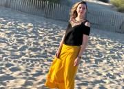 Mes favoris mode pour cet été : en jaune moutarde sur la Plage !