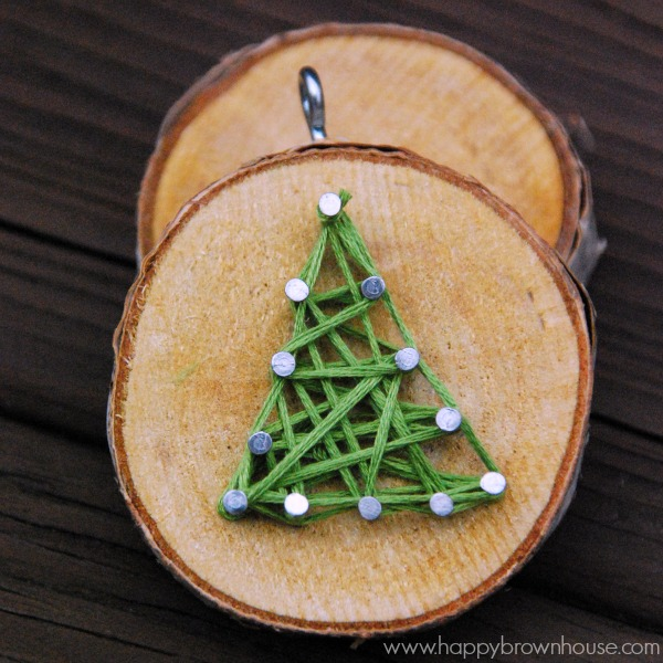 This Rustic Diy Wood Slice String Art Ornament Is Simple To Make And Looks Beautiful On