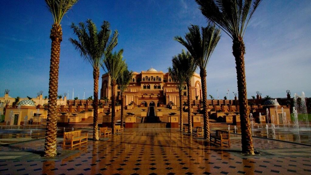 Emirates Palace (Image Source)