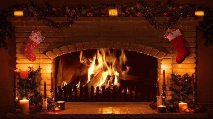 18 Christmas Fireplace Decor Christmas Mantel And
