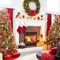christmas decorated fireplace | www.indiepedia.org