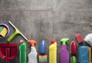 What are the benefits of hiring a cleaning service?