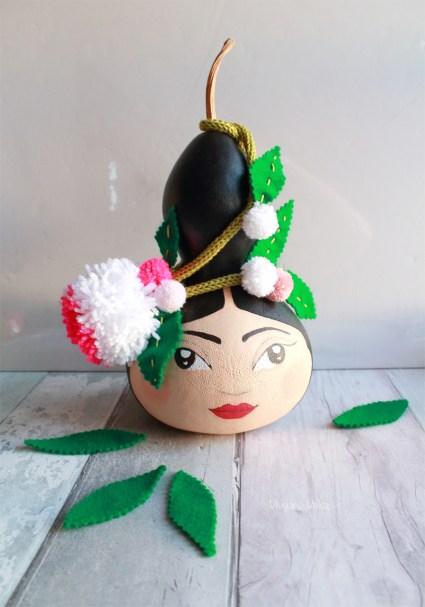 DIY Portrait Frida sur Courge séchée