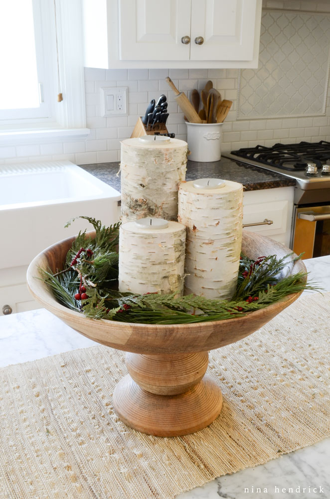 15 Easy And Stunning Christmas Centerpiece Ideas