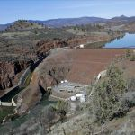 Historic deal reached to remove 4 massive dams on lower Klamath River