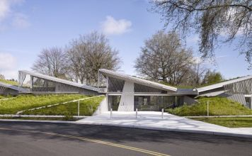 LEED Gold Columbia Building cleans stormwater runoff with green roofs