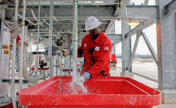 Chemists close in on greener way to make plastics