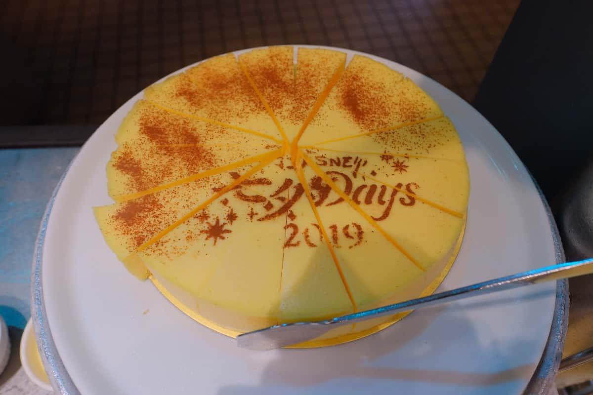 白いベイクドチーズケーキ