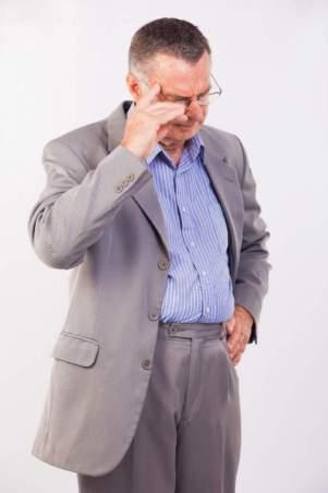 咳払いの心理と癖の治し方は?原因は病気のことも?チック症の可能性も?!