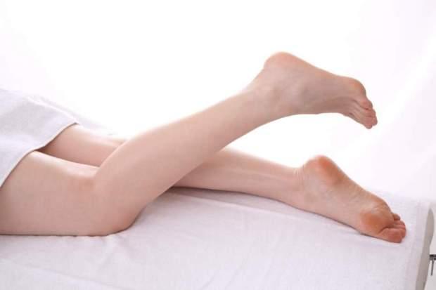 足の爪が剥がれる原因は病気?痛くない場合は?処置の方法も!