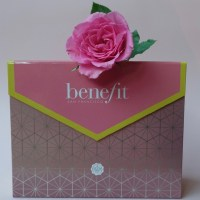 Die BENEFIT x GLOSSYBOX Limited Edition - Unboxig
