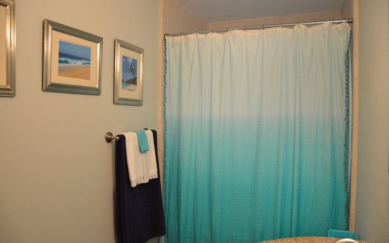 4 Steps to a Summer Bathroom Refresh by Happy Family Blog