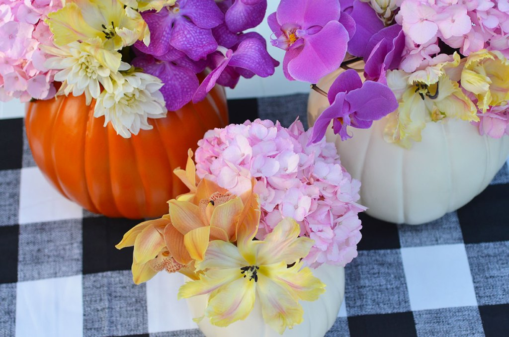 diy pumpkin centerpieces, cheap easy pumpkin centerpiece, pumpkin floral centerpieces