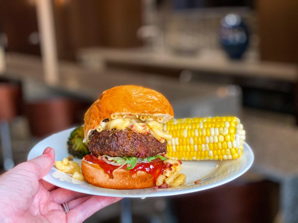 The Ultimate Mac and Cheese Burger + Art of the Burger Contest