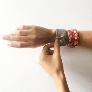 bracelet en tissu rouge et lamé or