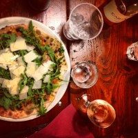 Testé et approuvé : les terrasses éphémères du 13ème, avec les pizzas de la Dame de Canton & le rosé du Vagalame !