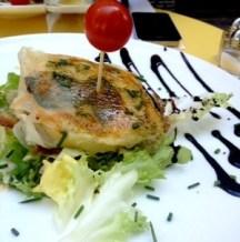 Petite cantine sympa à Montmartre, GABIN : 12€ entrée+plat, avec des trucs FAT comme croustillant de mozza en entrée et tartare de boeuf en plat !