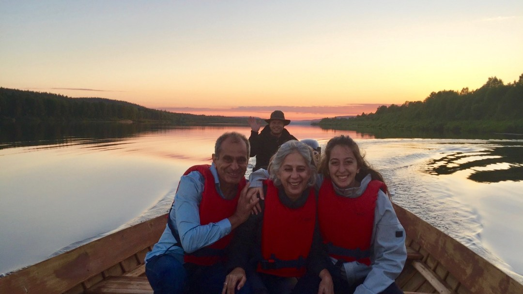 Happy-Fox-Arctic-Nighless-Night-Boat-Trip-Golden-Fox-happy-guests-p