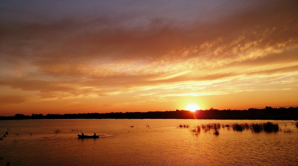 Happy-Fox-Boat-Trip-to-the-Nightless-Night-sunset-and-rowing