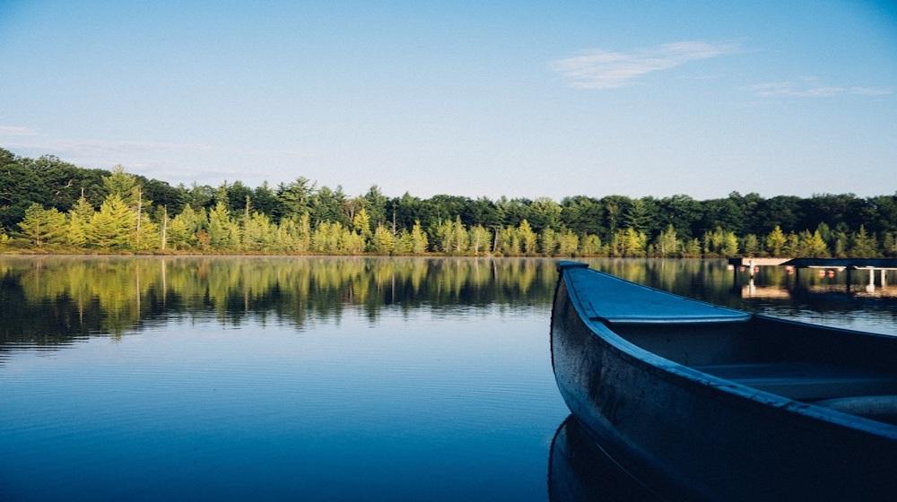 Happy-Fox-Canoe-Trip-blue-canoe