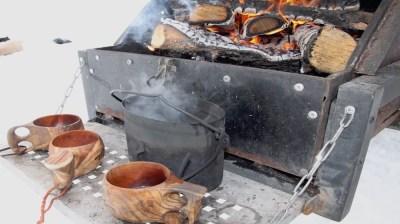 Happy-Fox-Ice-Fishing-Trip-to-the-Ounasjoki-river-coffee-pot-and-campfire kopio