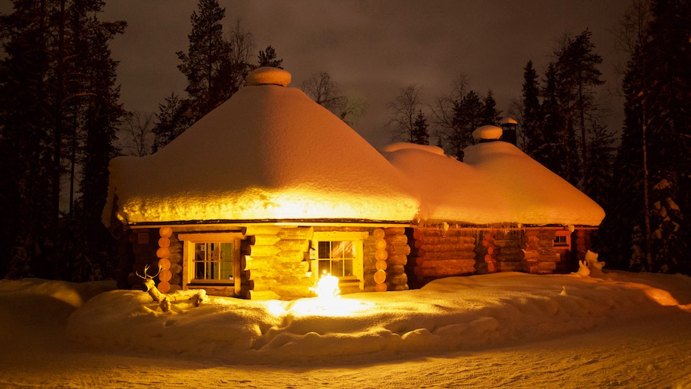 Happy-Fox-Log-Sauna-And-Snack-Winter-fox-cottage-at-night-p