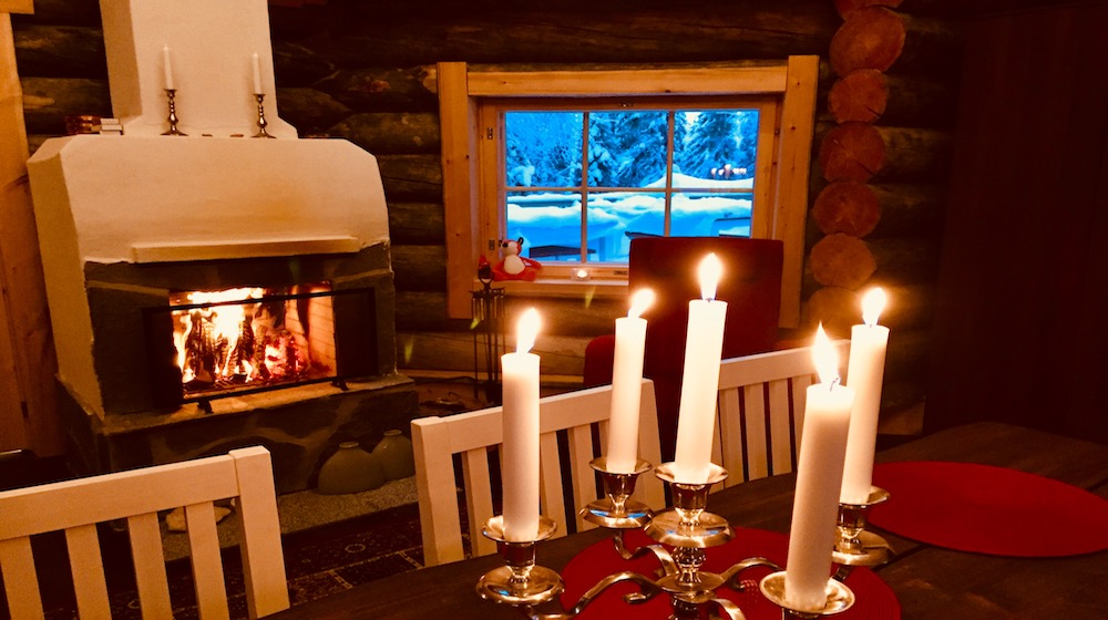 Happy-Fox-Magic-of-the-Forest-Winter-fire-place