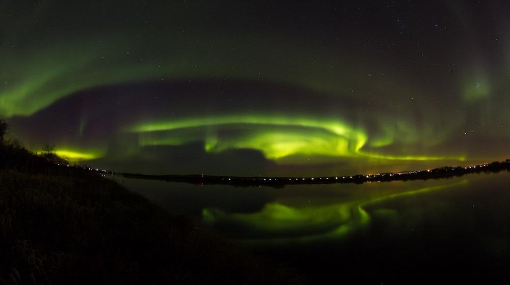 Happy-Fox-Northern-Lights-Hunt-on-the-ounasjoki-river-winter-aurora5