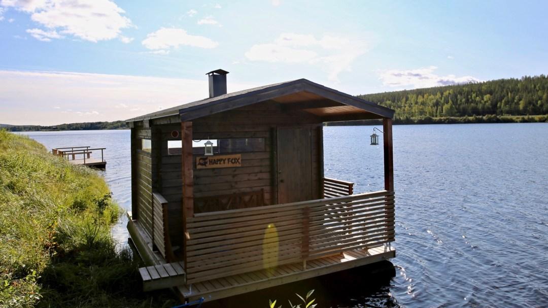 Happy-Fox-Floating-Sauna-and-Swimming-in-the-Ounasjoki-river-floatin-fox-sauna