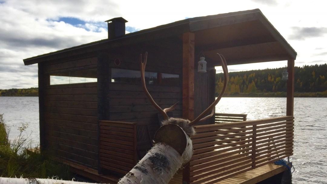 Happy-Fox-Floating-Sauna-and-Swimming-in-the-Ounasjoki-river-floating-sauna