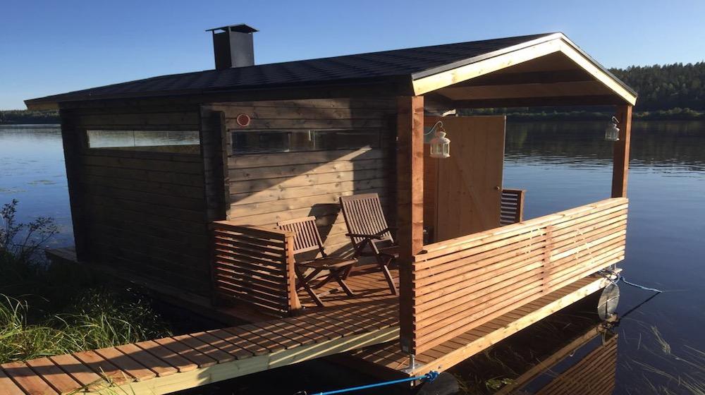 Happy-Fox-Floating-sauna-and-swimming-floating-sauna