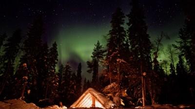 Happy-Fox-Aurora-Adventure-by-open-fire-leanto-auroras-