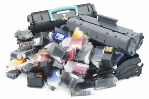 O que fazer aos tinteiros e cartuchos de toner usados