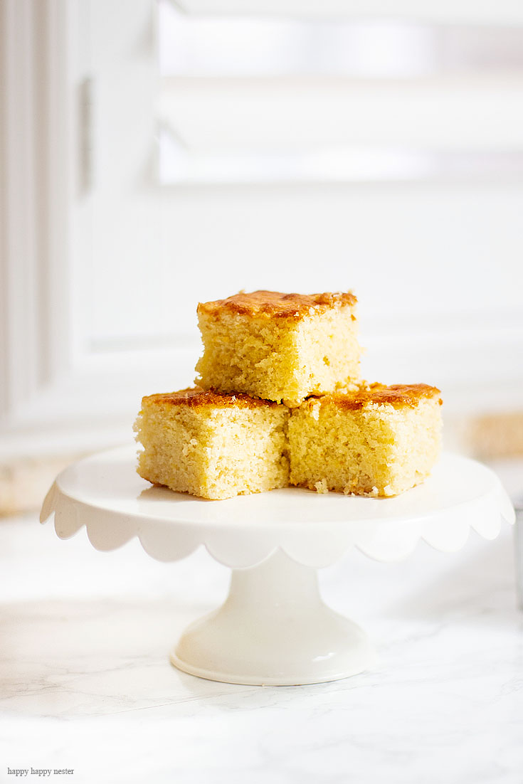 This yummy cornbread is a perfect combination for a brunch. This Simple Punch Recipe for Mother's Day. Make this easy drink for special occasions or any party. Make it with rum or as a non-alcoholic drink. This Planters Punch drink has pineapple, orange juice, and grenadine in the ingredients. #drinks #cocktails #punch #weddings #weddingparty #rum #planterpunch #mocktails