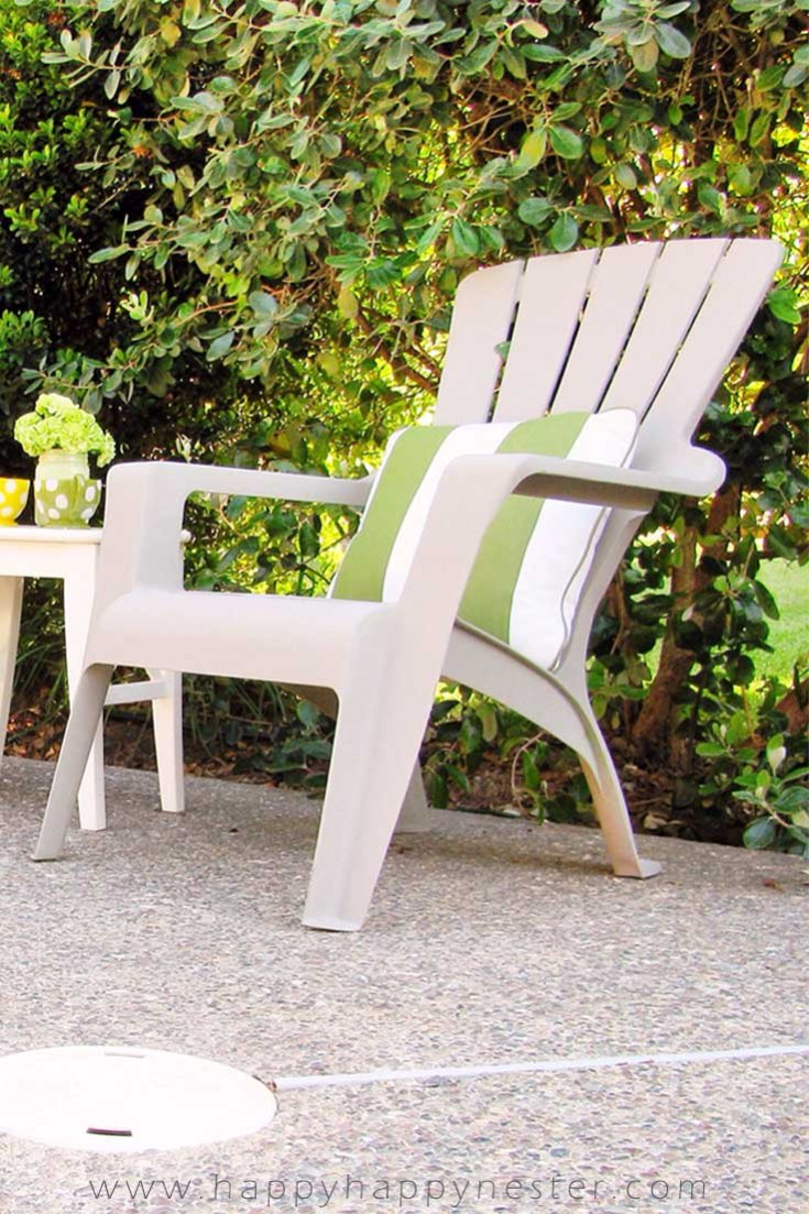 Need some Paint Projects to Transform Your Home? Make sure to view this great post of 7 projects which range from a painted piano to a front door. Lots of great DIYs. This is a project using Annie Sloan Chalk Paint on a plastic outdoor chair! #paintingfurniture #chalkpaint #anniesloan #upcycle #painting