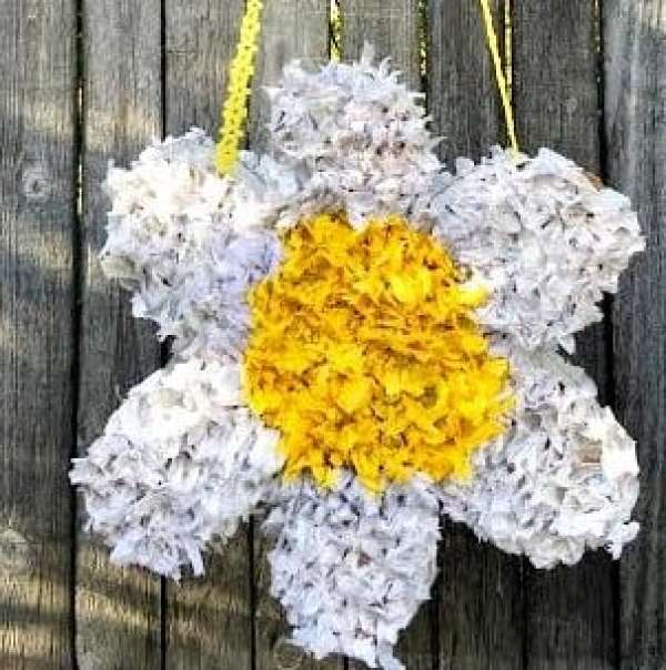 gift ideas diy-flower-pinata-WITH-FENCE