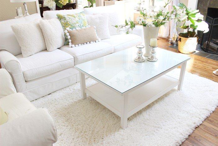 bissell carpet cleaner shot of living room rug
