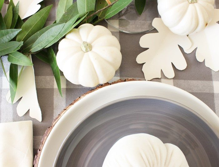 fall-home-tour-table-leaves-sm-ver
