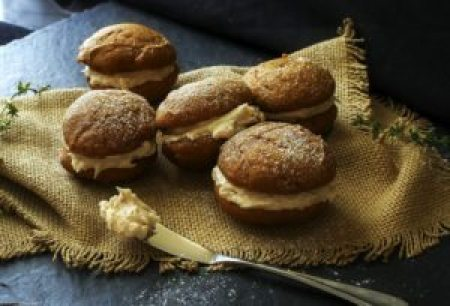 fall cookies spiced-pumpkin-whoopie-pies-with-maple-browned-butter-cinnamon-frosting-9-editedj
