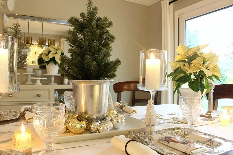 holiday tour with candle tablescape