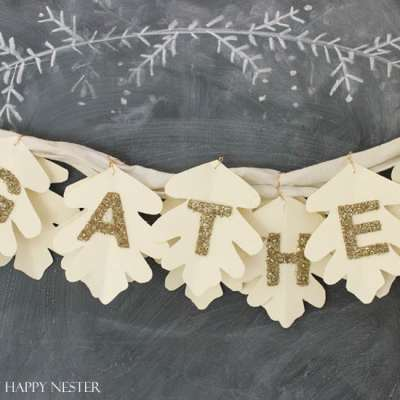 Make Sure to Welcome Fall in with this Cute Leaf Garland