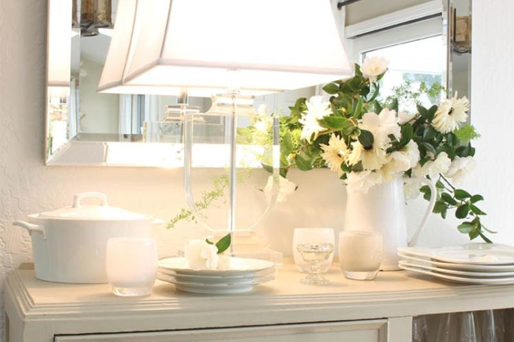 Choosing the right table lamps can instantly improve a room immediately. I got mine from Lamps Plus and I love their beautiful selection. #homedecor #lamps #tablelamps #diy #decorating #home #lamps #lighting