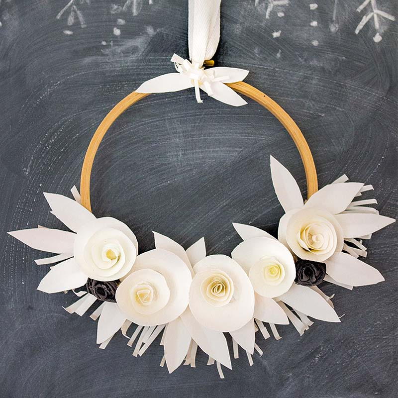 One Easy Beautiful White Paper Wreath That Youll Want To Make