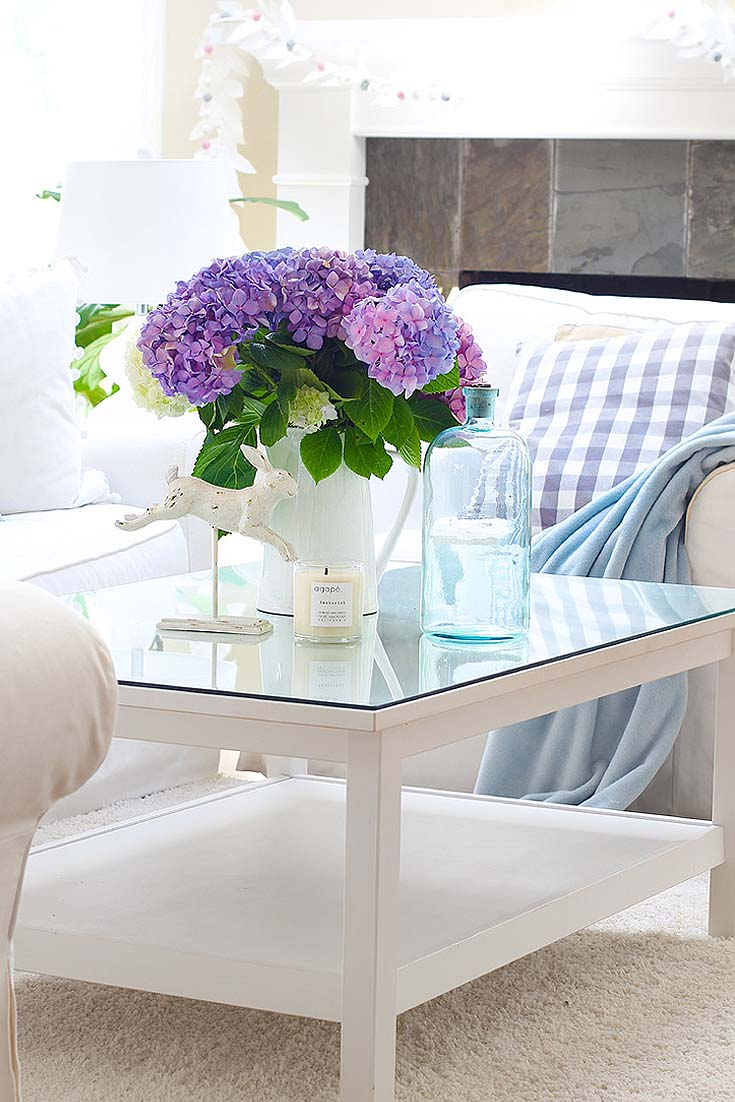 Add some blue and purple hydrangeas for a serene and beautiful look. How to Hygge for Spring with Flowers is essential after enduring a long winter. Spring flowers add coziness to any home. Flowers always create a lovely homey atmosphere, and they immediately welcome people with a beautiful embrace. Hygge | Hygge Home | Spring Decor | Spring Flowers | Floral Bouquets | Flowers | Spring