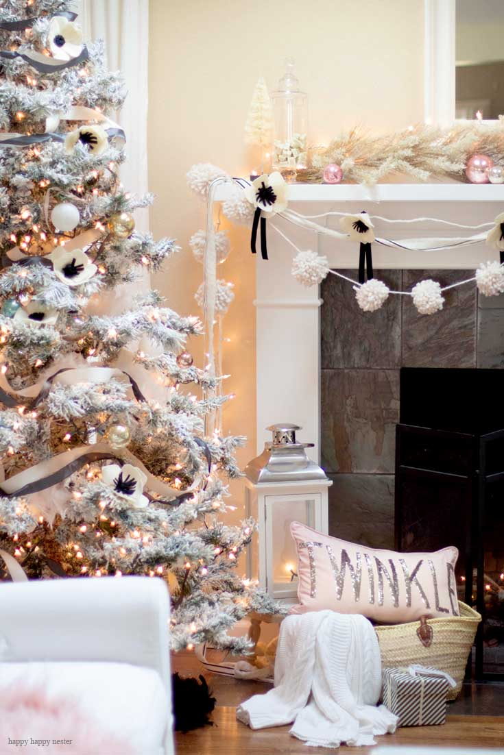 Black and White Cottage Christmas Mantel | Decorating Mantel | Decorating for the Holidays | Christmas | Christmas Decor | Christmas Decorating | Christmas Mantel | Mantel Decorating Ideas