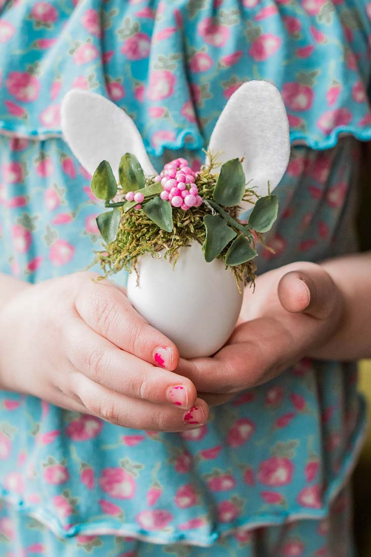 Easter Bunny Eggs with Tiny Floral Crowns are the cutest project. 9 Unique Easter Egg Ideas with so many different styles. Easy projects that are perfect for Easter. There are decoupaged eggs, gilded eggs, and painted eggs all so pretty and easy to create. 9 bloggers come together for this great post. #crafts #easter #eastereggs #decoratingeggs #easterdecorating #decoupageeggs