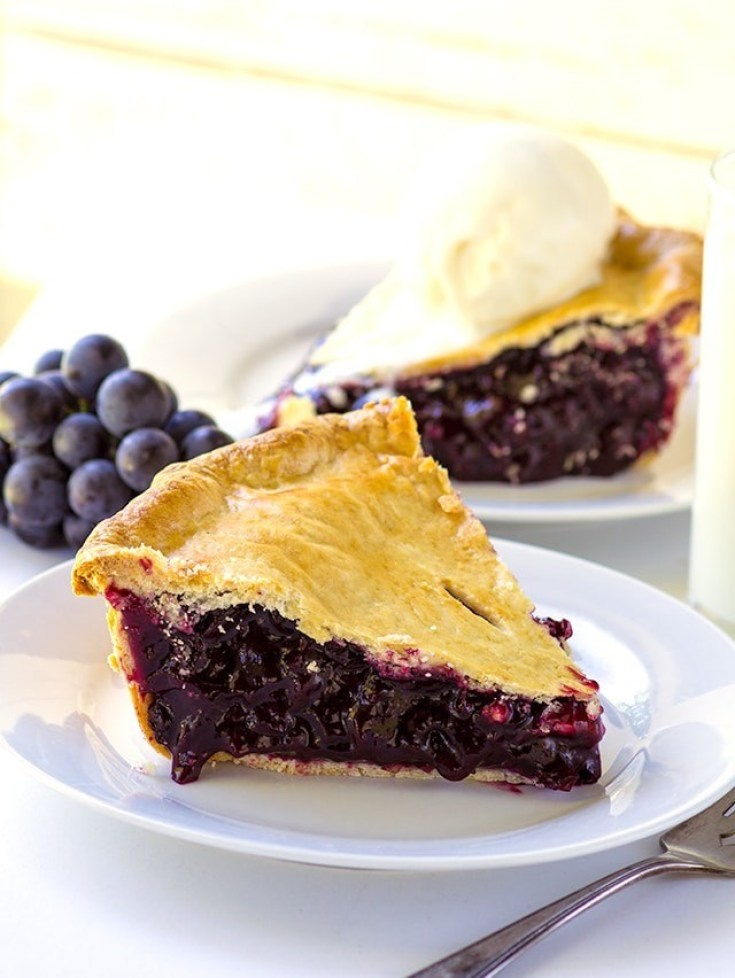 Concord Grape Pie is a great alternative to a fresh fruit pie. #pies #baking #piebaking #grapes #concordgrapes #recipes