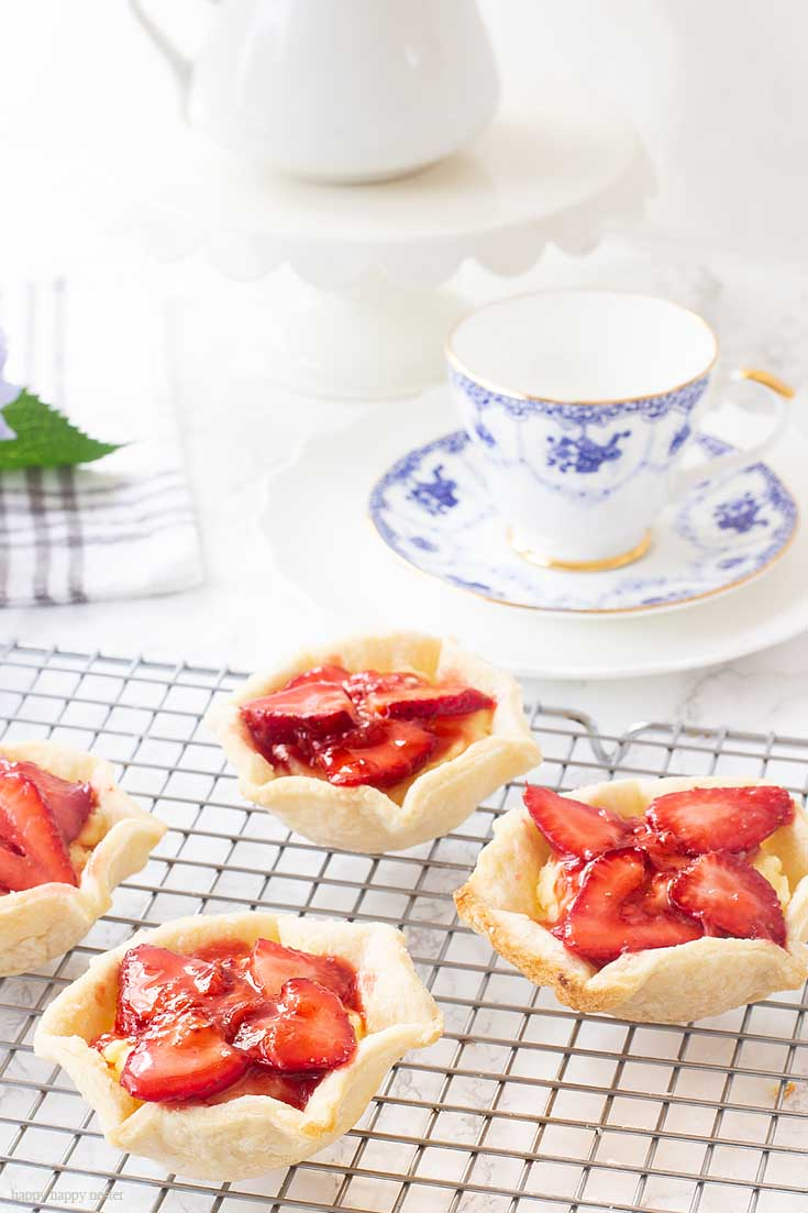 When planning your summer entertaining make sure to bake one of these 10 Refreshing Summer Dessert Recipes. There are fresh fruit tarts, pies and much more. #baking #desserts #fruitdesserts #recipes #tarts #strawberrydesserts