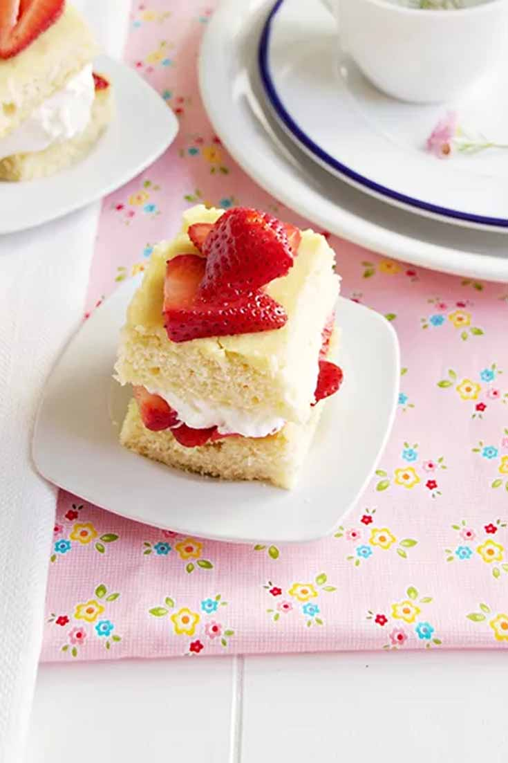 Strawberry Shortcake is always a summer favorite. This easy recipe makes a delicious summer dessert. #dessert #recipes #strawberries #baking #summertreats